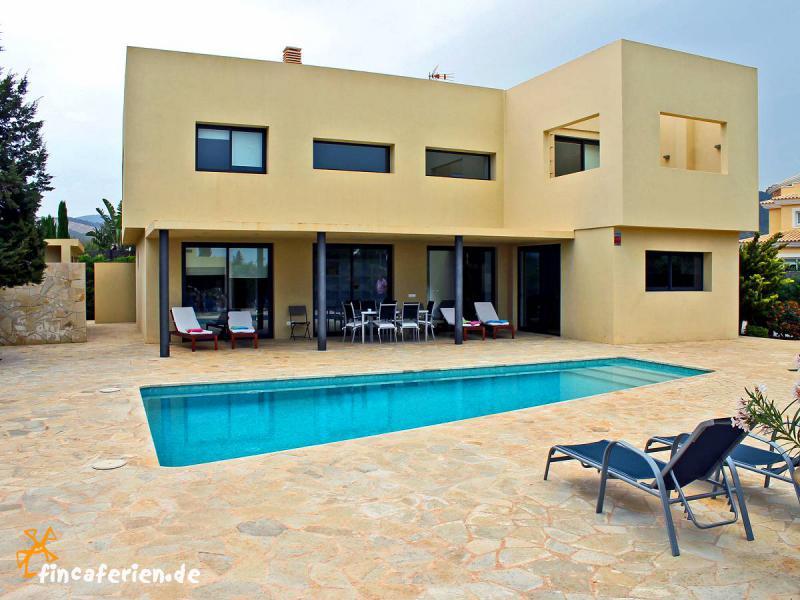 Ibiza ferienhaus f r 8 personen mit pool und klimaanlage - Formentera ferienhaus mit pool ...