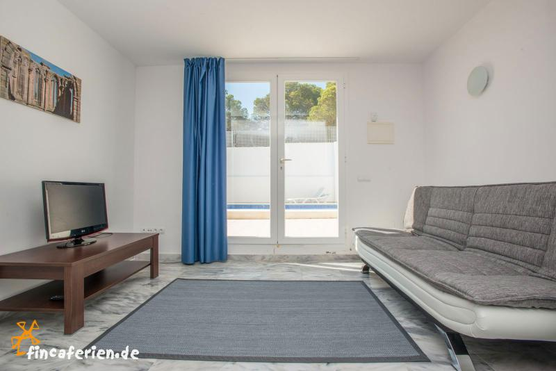 ibiza modernes ferienhaus mit pool in cala vadella. Black Bedroom Furniture Sets. Home Design Ideas