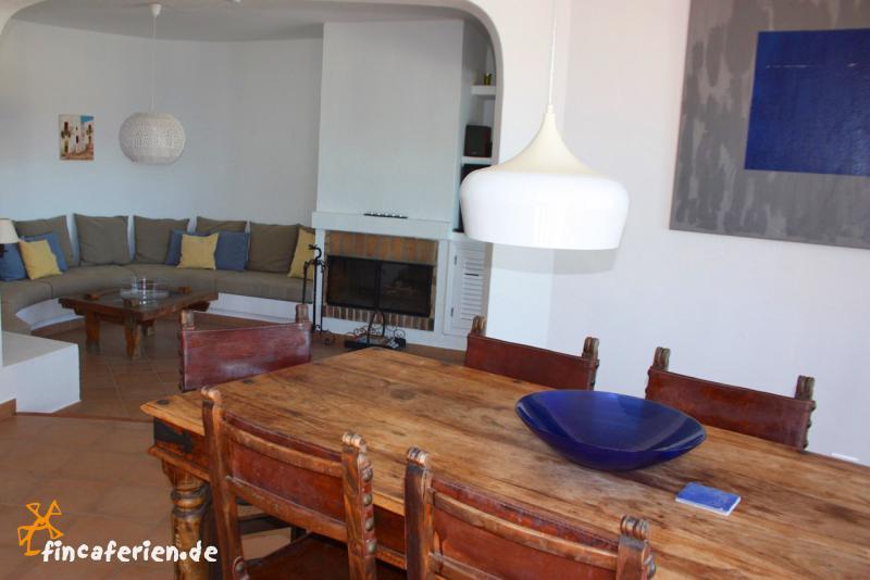 Ferienhaus Mit Pool Im Wohnzimmer : Wohnzimmer mit Kamin