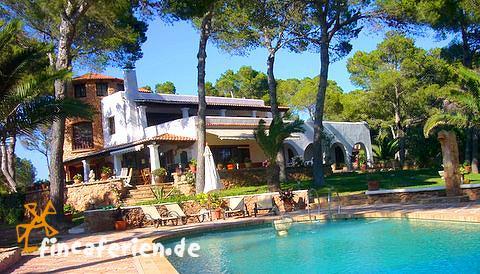 ibiza villa am meer mit internetanschluss und pool fincaferien finca. Black Bedroom Furniture Sets. Home Design Ideas
