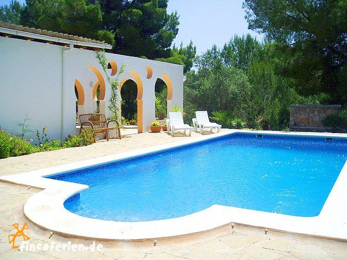 ibiza urlaub ferienhaus f r familien mit pool fincaferien finca. Black Bedroom Furniture Sets. Home Design Ideas