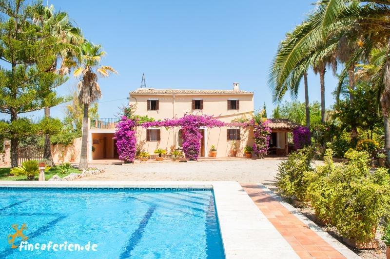 Mallorca Urlaub auf dem Land - Finca mit Pool und Garten ...