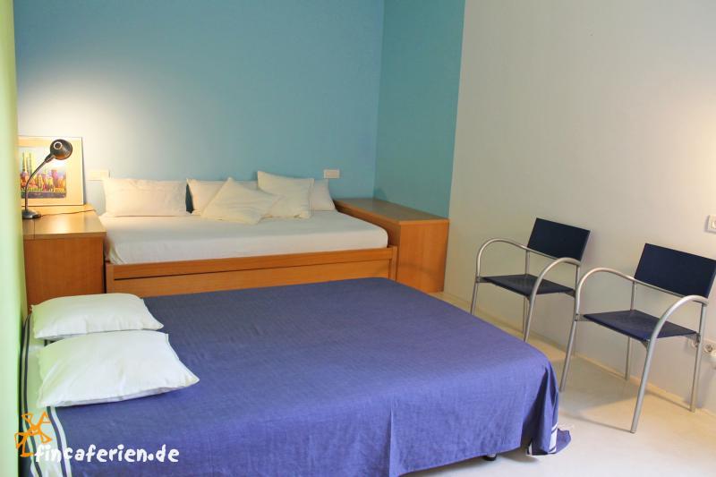 Moderne finca mit pool und klimaanlage bei arta for Schlafzimmer jugendliche