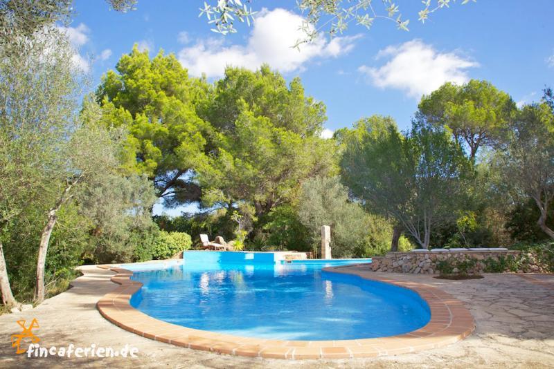 Strandnahes Ferienhaus mit Pool und Garten, Cala Murada ...