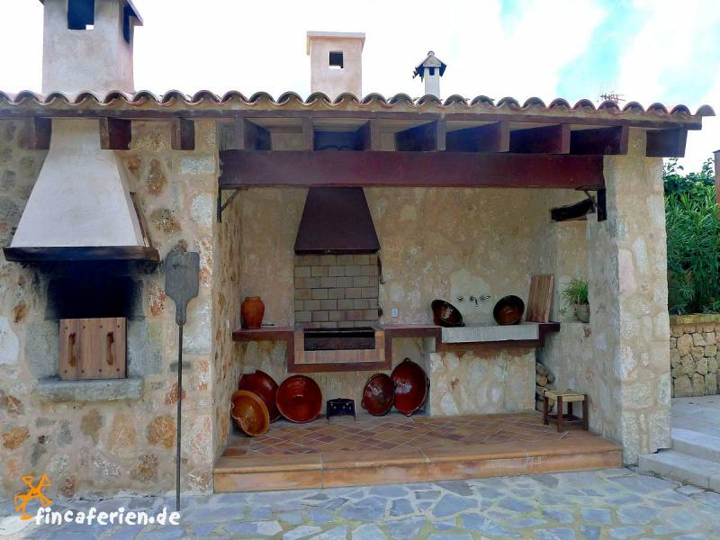Mallorca gro e finca mit pool bei manacor fincaferien for Gemauerter grill