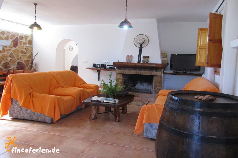 ibiza finca mit pool und internet sant mateu ruhige lage fincaferien finca. Black Bedroom Furniture Sets. Home Design Ideas