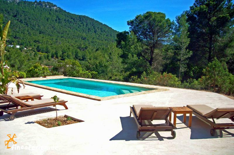 ibiza finca mit pool in meern he cala vadella. Black Bedroom Furniture Sets. Home Design Ideas