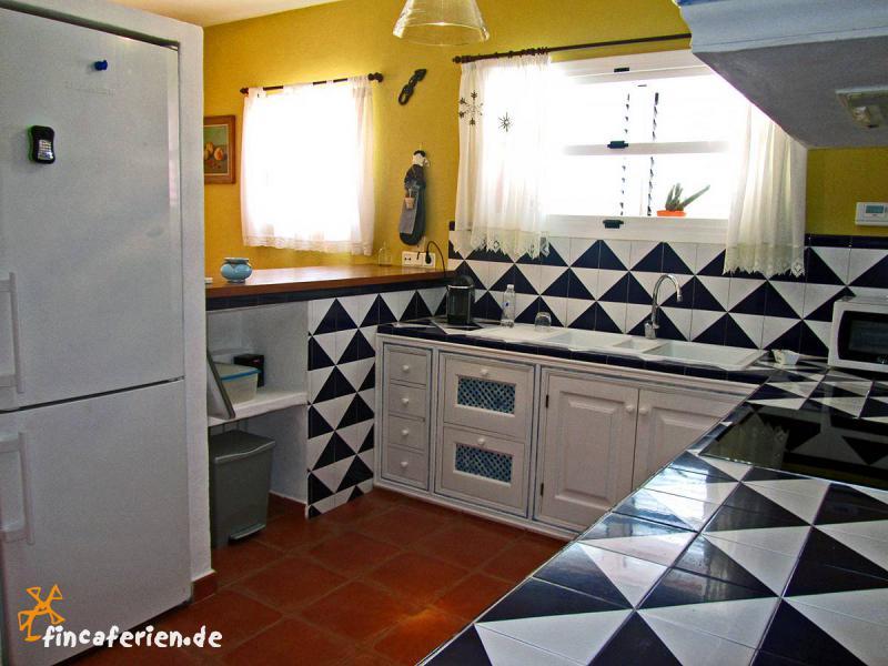 finca auf ibiza mit pool und klimaanlage fincaferien finca. Black Bedroom Furniture Sets. Home Design Ideas