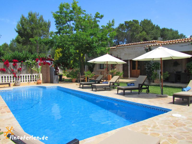 ibiza private finca mit pool klimaanlage und garten. Black Bedroom Furniture Sets. Home Design Ideas