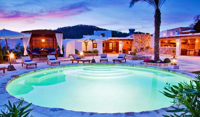 Exklusive Finca auf Ibiza mit Pool und Internet