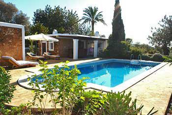 Große Finca auf Ibiza mit Internet, Pool, Klimaanlage (Nr. 0033)