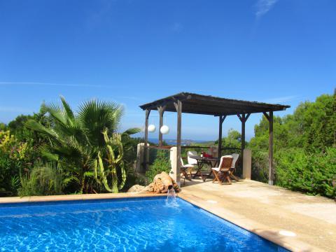 Ibiza: Strandnahes, freistehendes Ferienhaus mit Pool. (Nr. 0005)