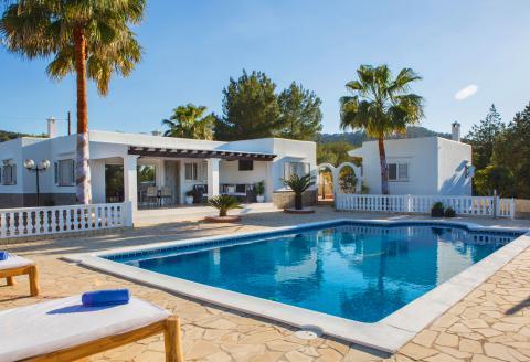 Moderne Villa mit Pool und Klimaanlage für 10 Personen (0011)