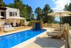 Luxus Finca mit Pool, Meerblick und Klimaanlage - Cala Tarida (Nr. 0109)