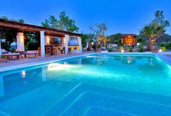 Finca mit Internetanschluss und Pool bei San Jose (Nr. 0113)