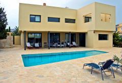Klimatisiertes Ferienhaus für 8 Personen mit Pool  (Nr. 0122)