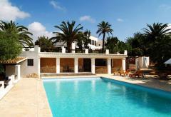 Kleines geschmackvolles Hotel mit Pool nahe Santa Eulalia (Nr. 0186)