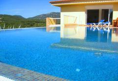 Alleinstehende Villa mit Pool (Nr. 0151)