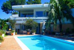 Urlaub auf Ibiza: strandnahes Ferienhaus mit Pool  (Nr. 0175)