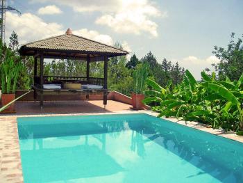 Finca mit Pool und Pavillon