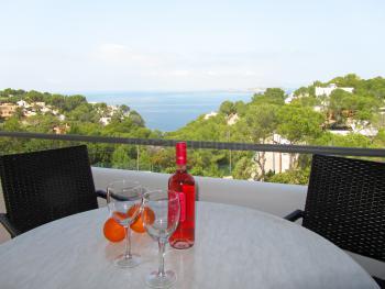 Strandnahes Ferienhaus mit schönem Meerblick