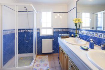 Badezimmer im Ferienhaus für 8 Personen