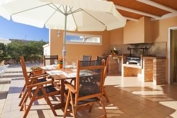 Strandnahes Ferienhaus mit Pool - Sant Jordi