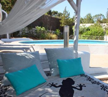 Ferienhaus mit Pool für 6- 7 Personen