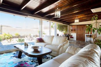 Großes Ferienhaus mit Klimaanlage und Interne
