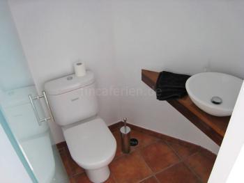 Modernes Badezimmer mit WC