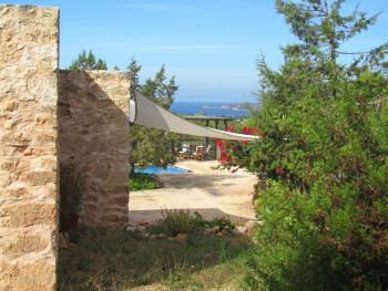 Garten, Terrasse, Pool und Meerblick