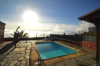 Kanarische Finca mit Pool und Meerblick