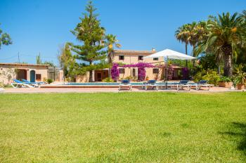 Finca mit Pool in ruhiger Lage bei Campos