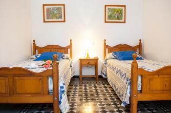 Schlafzimmer (links neben Eingang)