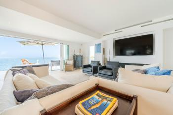 Helle Räume, elegante Möblierung, viel Komfort