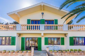 Strandnahes Ferienhaus für 10 Personen