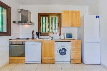 Küche mit Spül- u. Waschmaschine