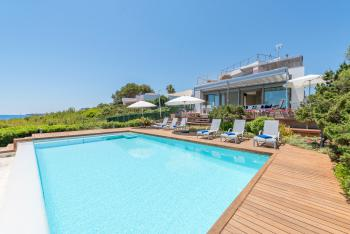 Strandnahe Villa mit Pool in Portocolom