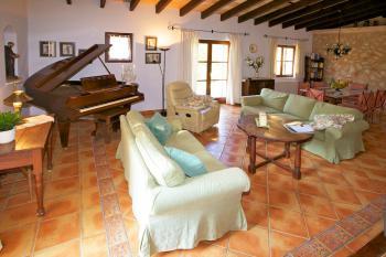 Ferienhaus im mallorquinischen Stil