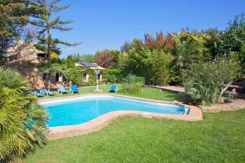 Ferienhaus für 10 Personen mit Pool