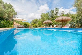Finca für 12 Personen mit Pool