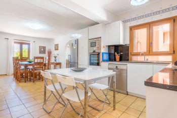 Essplatz und die offene Küche