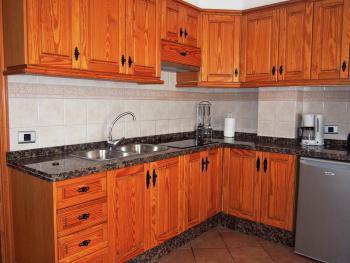 Offene Küche mit Cerankochfeld
