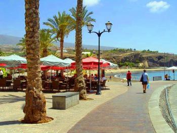 Promenade und Sandstrand - San Juan