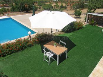 Ibiza Urlaub im Apartment mit Pool