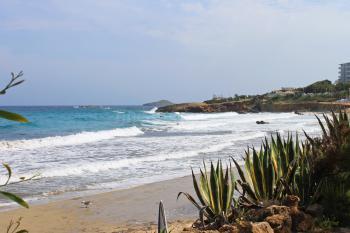 Cala Nova - Strand und Meer