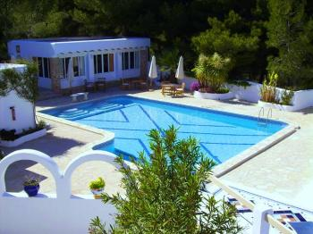 Apartments mit Pool