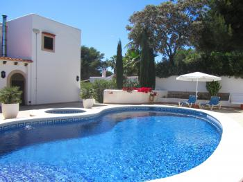 Apartment mit Pool - Cala Llenya