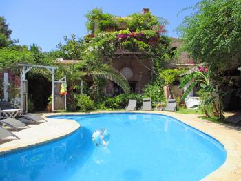 Große, strandnahe Finca mit Pool und Garten