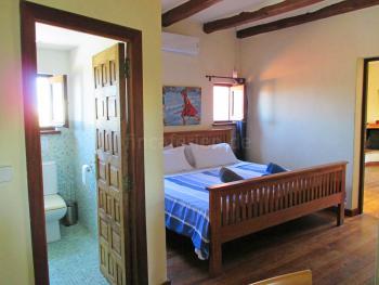 Schlafzimmer mit Klimaanlage - OG